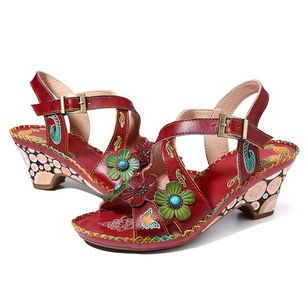 Women's Rivet Buckle Flower Peep Toe Round Toe Low Heel Sandals (147218282)