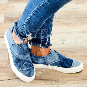 Women's Velcro Closed Toe Round Toe Denim Canvas Low Heel Sneakers (147157454)