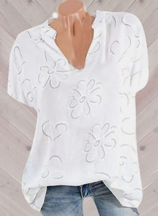 Plus Size Floral V-Neckline Casual Shift Blouses Short Sleeve Plus Blouses (4209568)